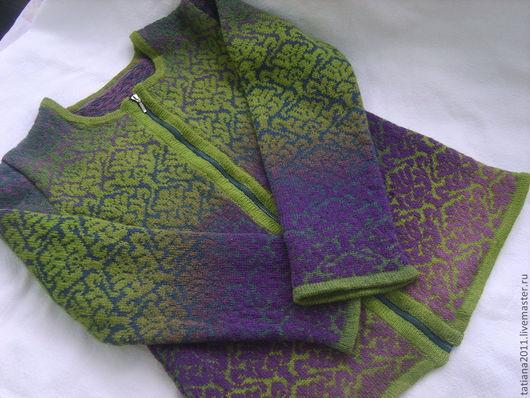 Кофты и свитера ручной работы. Ярмарка Мастеров - ручная работа. Купить шерстяной кардиган на молнии. Handmade. Орнамент, фиолетовый, зимний