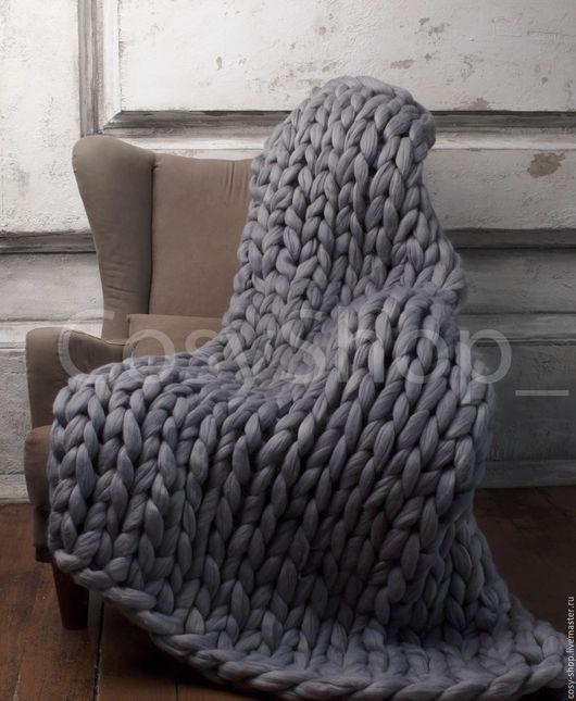 Плед ручной работы из объемной шерсти