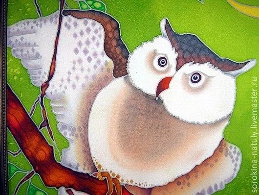 Батик Панно  `Мудрый филин`. Мудрой птице многие приписывают возможности не просто охранять богатство семьи, но также еще и приумножать его. Вот почему сова по фен шуй играет такое важное значение.
