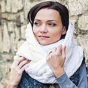 """Аксессуары ручной работы. Ярмарка Мастеров - ручная работа """"Нежность декабря"""", шарф снуд вязаный женский, шарф снуд вязаный белый. Handmade."""