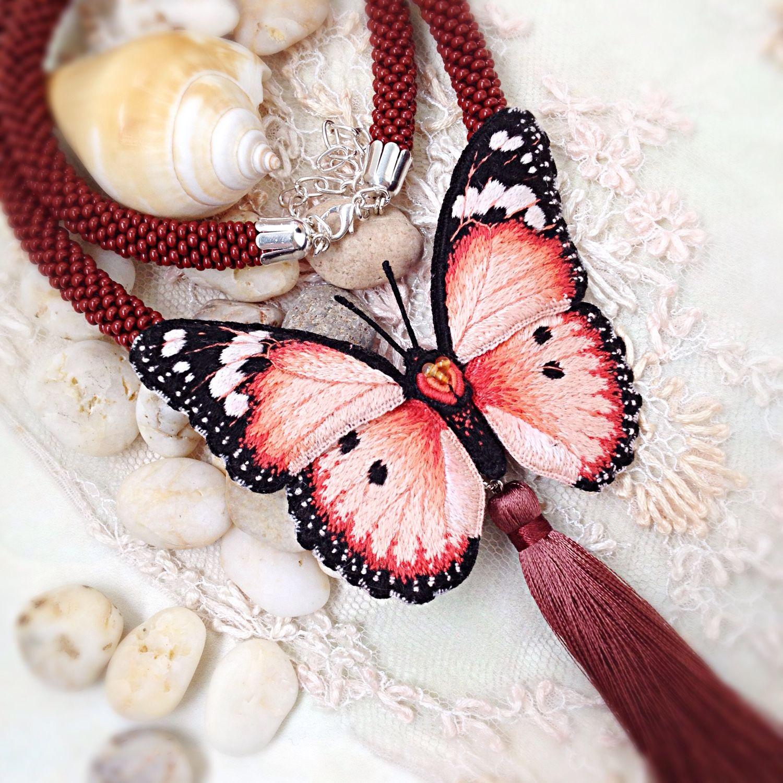Брошь бабочка вышивка 80