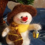 Куклы и игрушки ручной работы. Ярмарка Мастеров - ручная работа снеговичок с фонариком. Handmade.