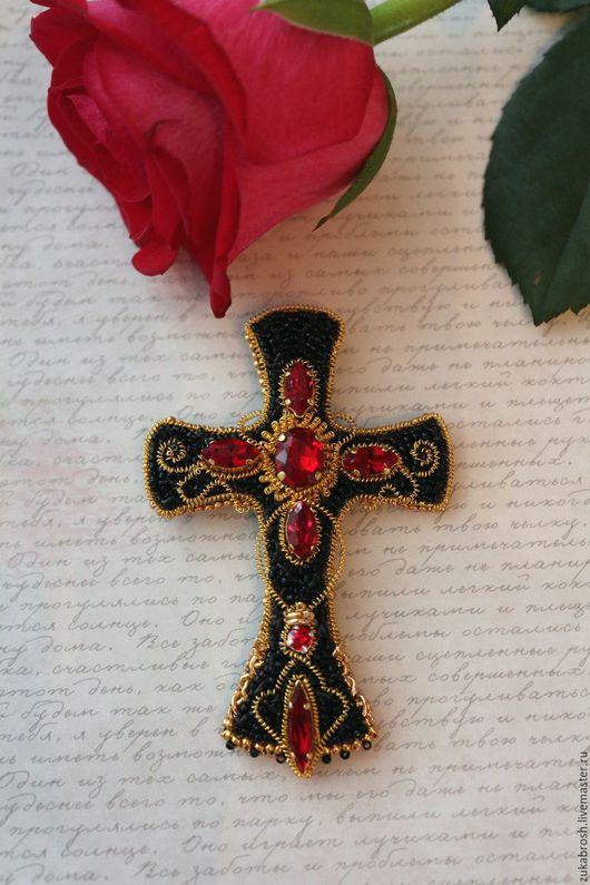 Броши ручной работы. Ярмарка Мастеров - ручная работа. Купить Брошь Кельтский крест бисерная с кристаллами. Handmade. Комбинированный