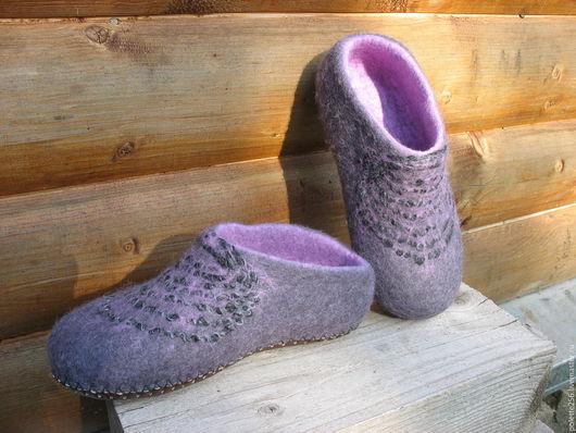 Обувь ручной работы. Ярмарка Мастеров - ручная работа. Купить Женские тапочки Сумерки. Handmade. Сиреневый, теплый подарок