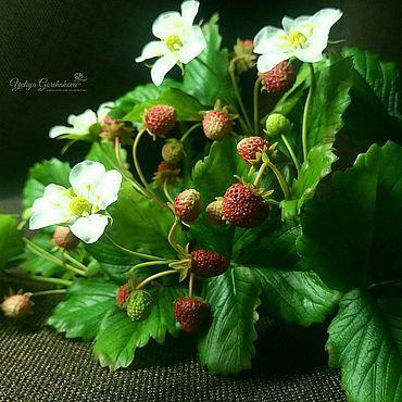 Flowers and floristry handmade. Livemaster - original item Strawberries from cold porcelain new. Handmade.
