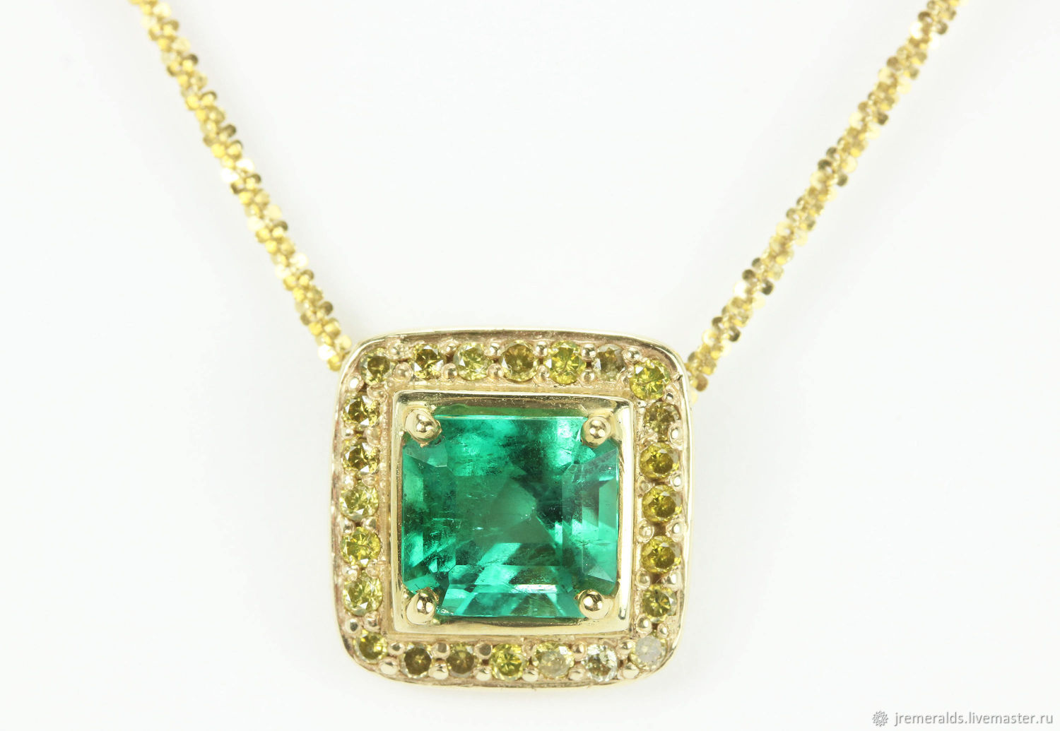 gemstones shop with amal muzo crop subsampling emeralds eight scale trapiche winner selim necklace false emerald upscale mouzannar rare and the product bib transparency over colored
