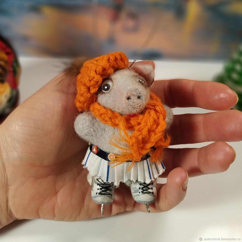 свинка на коньках, Войлочная игрушка, Томск,  Фото №1