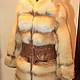 Шуба из пушистой и светлой сибирской лисы,длина 90 см, на молнии, (возможен пошив на крючках),пошита на коже,на талии вставочка под пояс из кожи, шубка с большим шикарным капюшоном, пошив по меркам, д