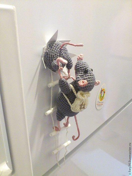 """Магниты ручной работы. Ярмарка Мастеров - ручная работа. Купить Магнит на холодильник """" Мышки-воришки"""".. Handmade. Крыса, магнит"""