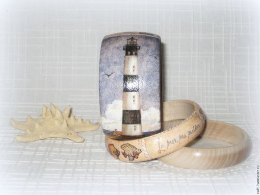 синий бежевый морской  женский недорогой деревянный браслет стиль маяк недорого красиво подарок что подарить девушке женщине сестре подруге маме жене на 8 марта день рождения дерево