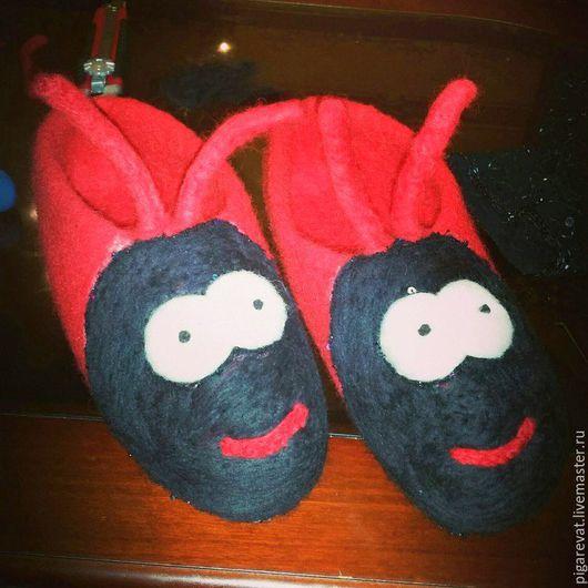 Обувь ручной работы. Ярмарка Мастеров - ручная работа. Купить Валяные тапки Красные муравии. Handmade. Ярко-красный, тепло