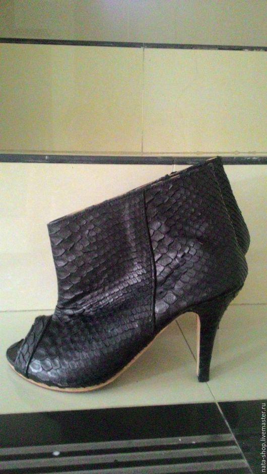 Обувь ручной работы. Ярмарка Мастеров - ручная работа. Купить сапожки  из питона. Handmade. Черный, сапожки летние, обувь из питона