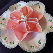 Винтаж ручной работы. Ярмарка Мастеров - ручная работа Корзинка для печенья, конфет или  пасхальных яичек с милой вышивкой. Handmade.