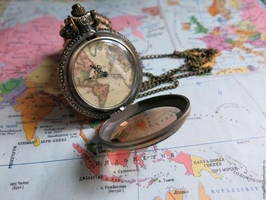 """Часы ручной работы. Ярмарка Мастеров - ручная работа. Купить Винтажные часы """"Дальние странствия 2"""". Handmade. Разноцветный, карты"""
