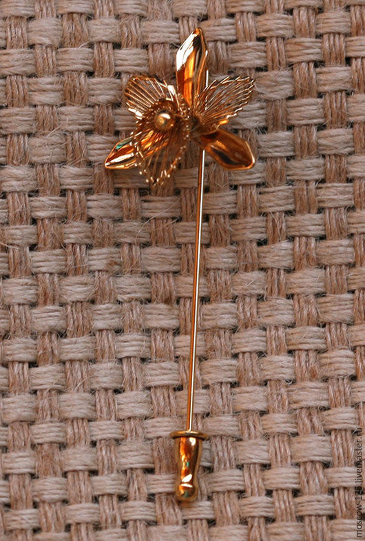 Винтажные украшения. Ярмарка Мастеров - ручная работа. Купить Monet Винтажная булавка  стик в форме орхидеи.. Handmade. Золотой