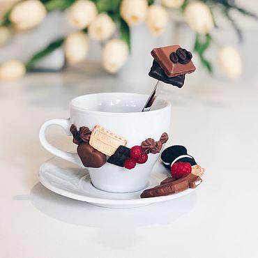 Посуда ручной работы. Ярмарка Мастеров - ручная работа Чайная пара с шоколадками из полимерной глины ручной работы. Handmade.
