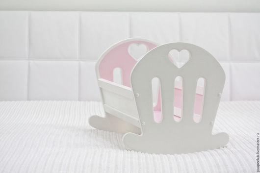Кукольный дом ручной работы. Ярмарка Мастеров - ручная работа. Купить кукольная кроватка, АКЦИЯ! первые три заказа постелька FREE. Handmade.