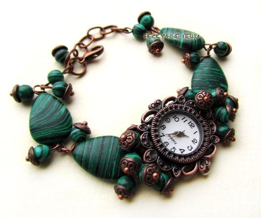 """Часы ручной работы. Ярмарка Мастеров - ручная работа. Купить """"Малахитовая шкатулка"""" наручные часы-браслет с малахитом. Handmade. Зеленый"""