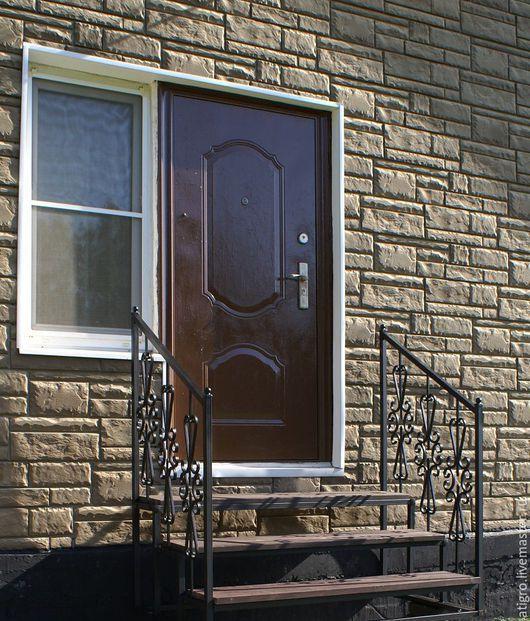 Входное крыльцо с коваными элементами (ступени + перила) для дома, дачи, бани.Разборная конструкция.