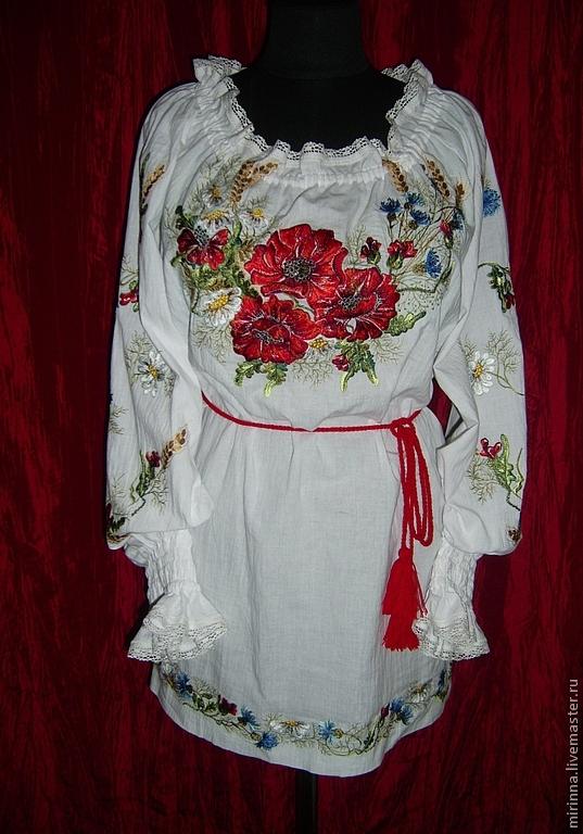 Этническая одежда с вышивкой