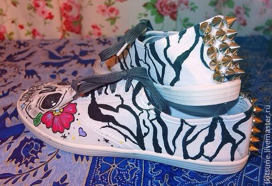 """Обувь ручной работы. Ярмарка Мастеров - ручная работа. Купить Кеды текстильные низкие """"Черепки"""". Handmade. Кеды, роспись по ткани"""