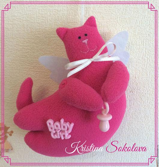 Котик Ангел-хранитель будет охранять сладкие детские сны.Этот котик станет хорошим подарком на рождение малыша, а также подарком на крестины.Размер 14,5*14,5 см.