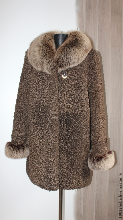 Fur coat Karakul brown available in size 50-52, length 80 cm, hooks, possible tailoring of the same model in your size, custom, made-to-measure, tailoring time 7-10 days.