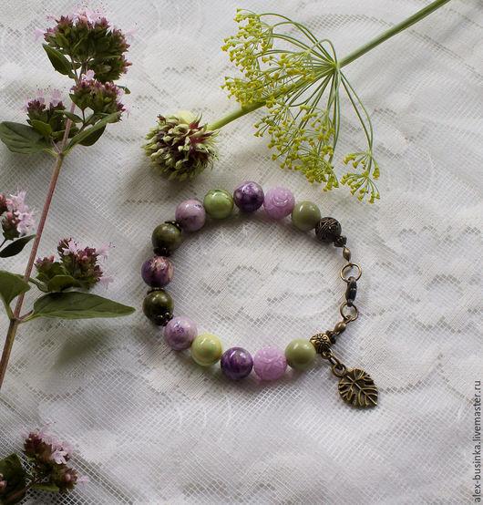 Фиолетовый браслет, оливковый браслет, браслет с чароитом, браслет с унакитом, браслет чароит унакит, браслет с натуральными камнями, браслет фиолетовый оливковый, браслет из натуральных камней.