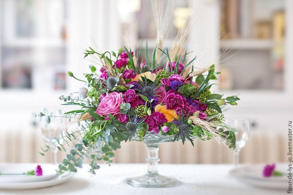 Цветы на свадебный стол молодоженов