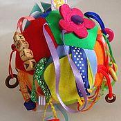 """Кукольная еда ручной работы. Ярмарка Мастеров - ручная работа Развивающий мячик застёжка """"С вашим именем"""". Handmade."""