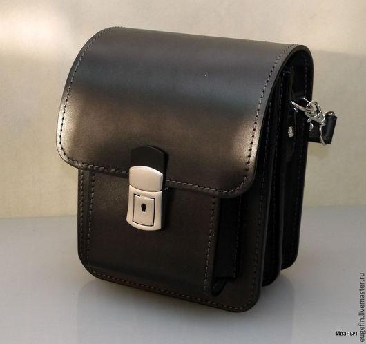 Сейчас сумочки изготавливаются только с таким замком.