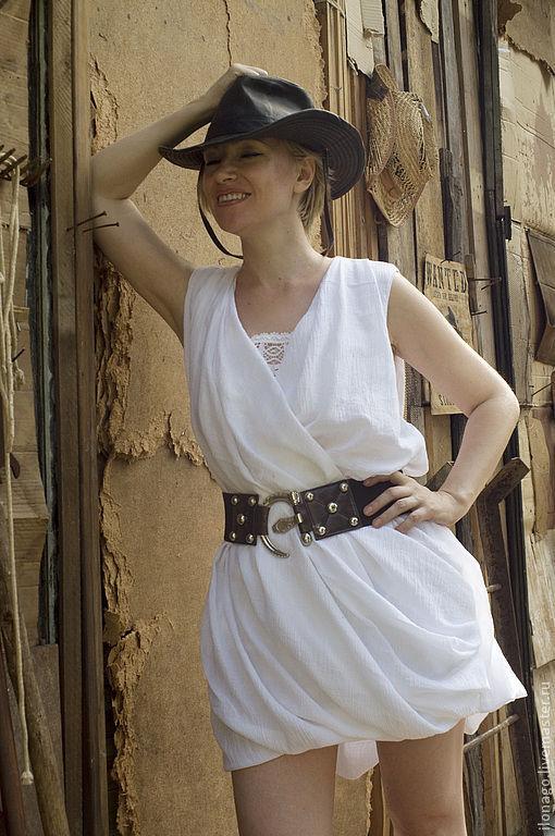 белое платье из марлевки, с вставкой из щвейцарского  кружева,можно носить с поясом а можно свободно