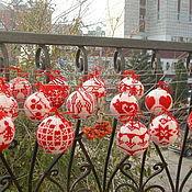 Подарки к праздникам ручной работы. Ярмарка Мастеров - ручная работа Вязаные елочные игрушки. Шары на елку Новый год. Handmade.