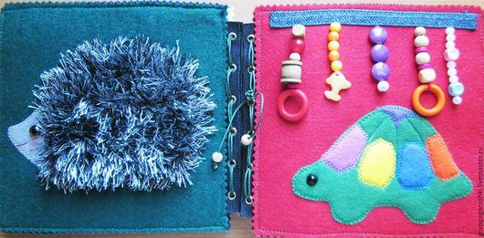 Развивающие игрушки ручной работы. Ярмарка Мастеров - ручная работа. Купить Развивающая Книжка для малышей. Книжка-игрушка. Handmade.