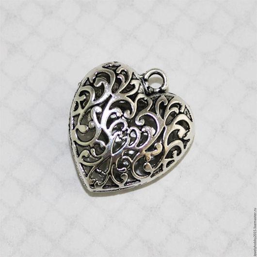 Металлическая подвеска ` Сердце` с узором`