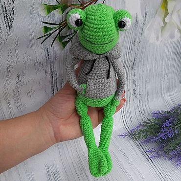 Куклы и игрушки ручной работы. Ярмарка Мастеров - ручная работа Вязаная лягушка. Handmade.
