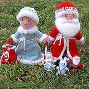 Подарки к праздникам ручной работы. Ярмарка Мастеров - ручная работа Дед Мороз и Снегурочка из Дедморозовки (вязаные игрушки из шерсти). Handmade.