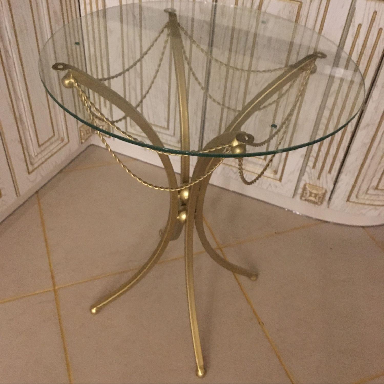 при этом стеклянные столы с золотыми ножками фото простая корона для