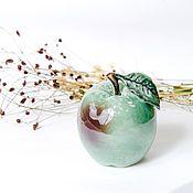 Статуэтки ручной работы. Ярмарка Мастеров - ручная работа Яблоко зеленое наливное статуэтка. Handmade.