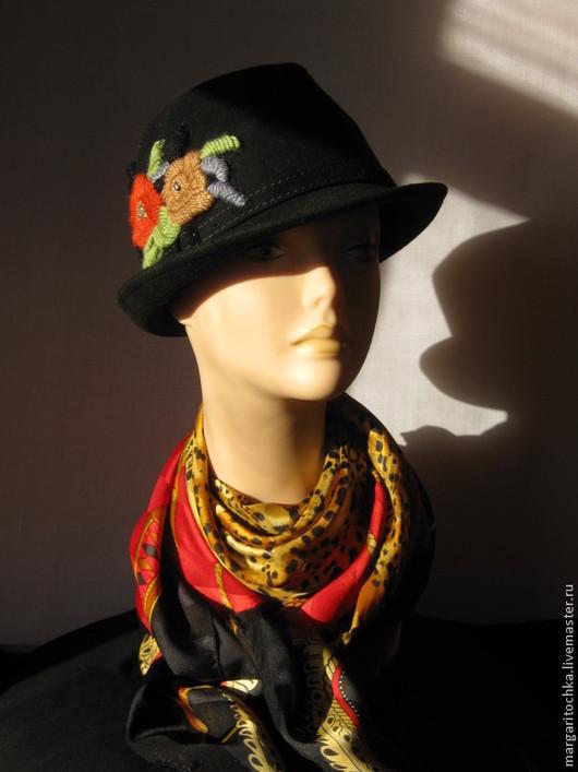 """Шляпы ручной работы. Ярмарка Мастеров - ручная работа. Купить """"Твиги"""" черная фетровая шляпа с вышивкой. Handmade. Черная шляпа"""