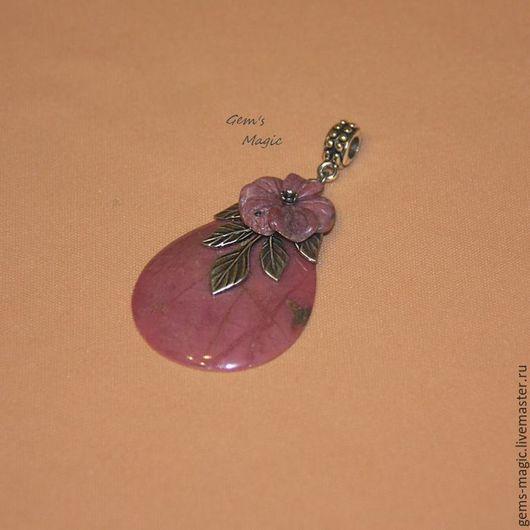 """Кулоны, подвески ручной работы. Ярмарка Мастеров - ручная работа. Купить Кулон из родонита """"Каменный цветок"""". Handmade. подвеска с цветами"""