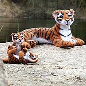 Куклы и игрушки ручной работы. Ярмарка Мастеров - ручная работа Тигрица с тигрятами (валяные игрушки). Handmade.