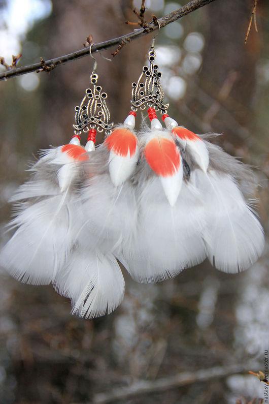 Cерьги с перьями по мотивам `Белая волчица` Авторские серьги и другие украшения из перьев. Анастасия Николаева.
