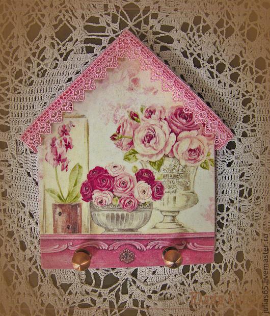 """Прихожая ручной работы. Ярмарка Мастеров - ручная работа. Купить Вешалка - ключница """"Розы"""". Handmade. Розовый, ключница ручной работы"""