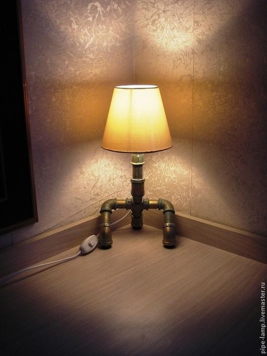 Освещение ручной работы. Ярмарка Мастеров - ручная работа. Купить Настольная лампа из труб Йота. Handmade. Золотой, лампа, сталь