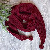 Большой бордовый шарф из кашемира с треугольными концами и помпонами