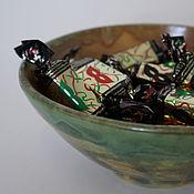 Посуда ручной работы. Ярмарка Мастеров - ручная работа Глубокая зеленая керамическая тарелка ручной работы. Handmade.