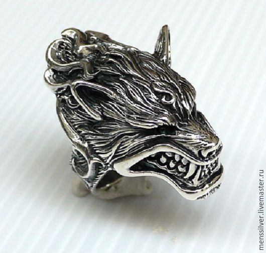 Первоклассный мужской перстень кольцо из серебра 925 пробы `Оборотень`