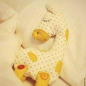 Куклы и игрушки ручной работы. Ярмарка Мастеров - ручная работа Игрушка для сна Жирафик Яша. Handmade.