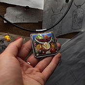 """Украшения ручной работы. Ярмарка Мастеров - ручная работа Кулон """"Натюрморт с Попугаем"""". Handmade."""